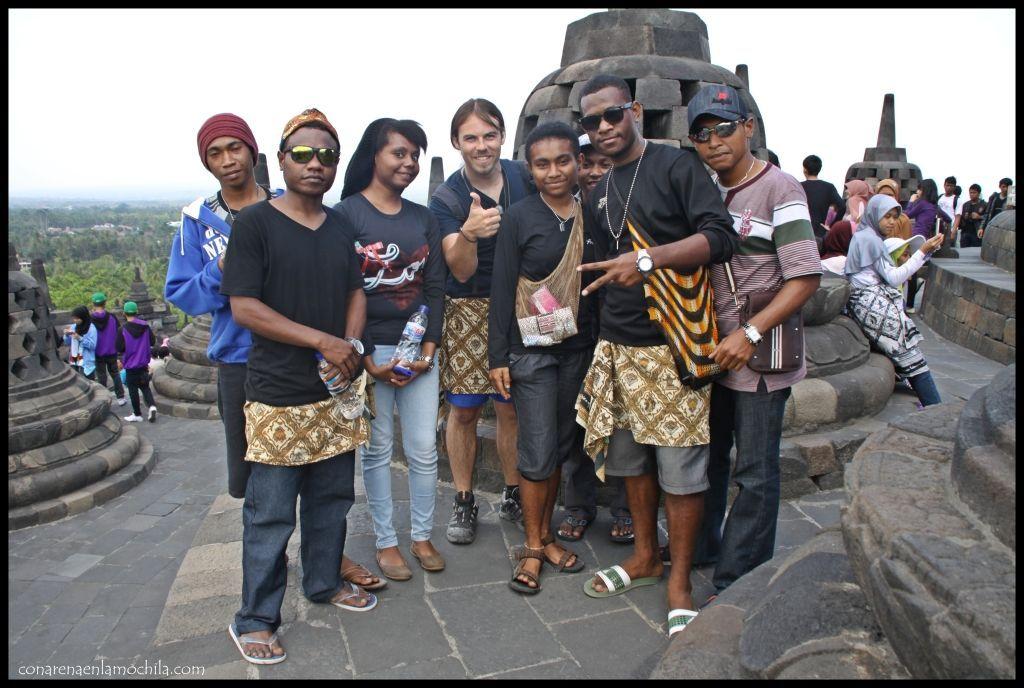 Família Papúa Borobudur