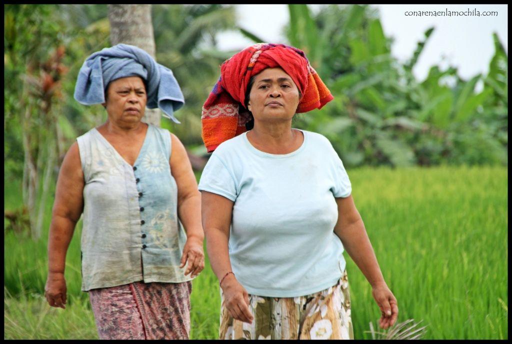 Mujeres Ubud Bali
