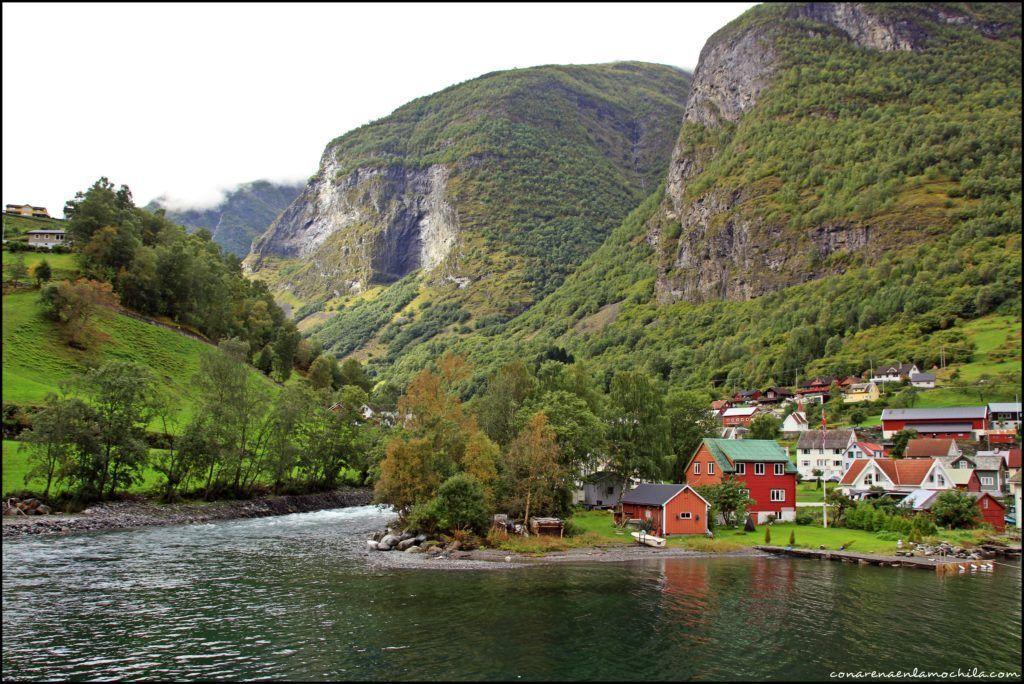 Naeroyfjord Noruega