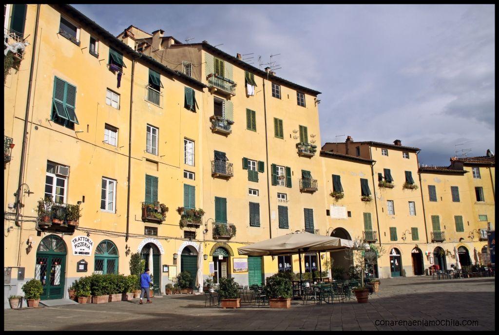 Piazza dell'Anfiteatro Lucca Italia